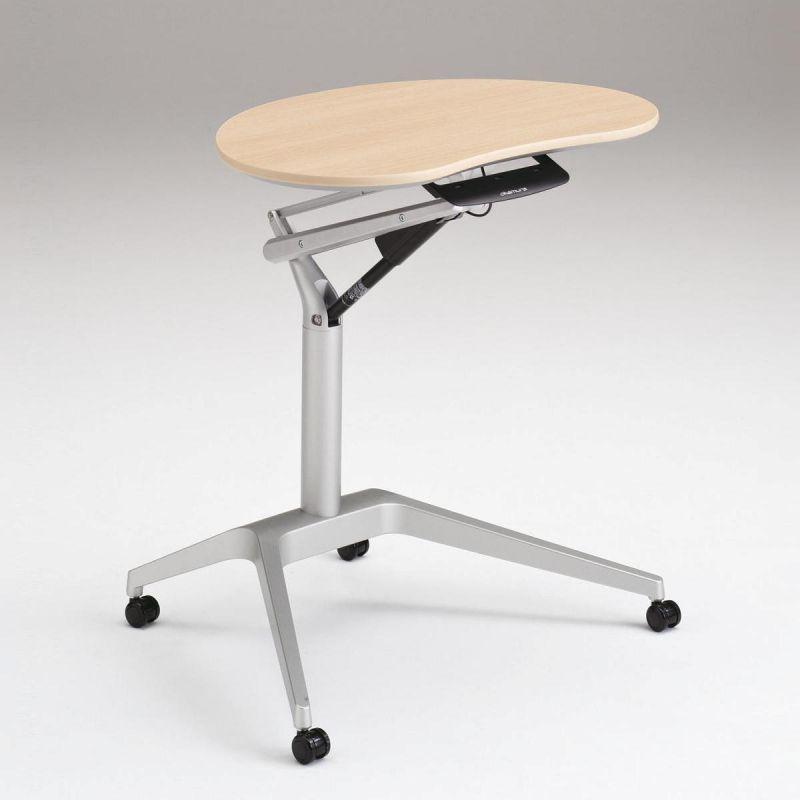 OKAMURA Risefit Schreibtisch mit silbernem Rahmen