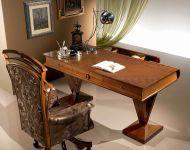 Klassischer Schreibtisch C100