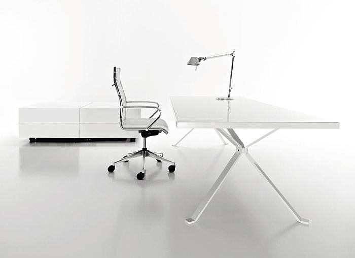 Büromöbel REVO